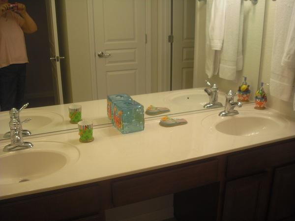 Global Resorts Upstairs Bath 1