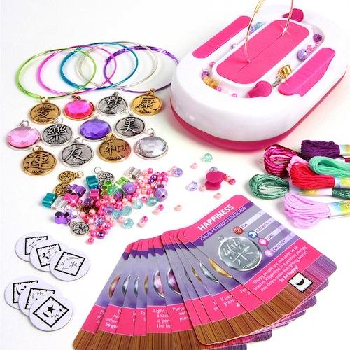 Charmazing Deluxe Charm Bracelet Kit